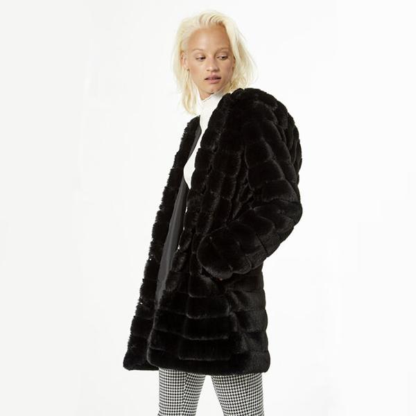 manteau fourrure noir jennyfer face
